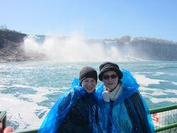 Anneliese+Hanna-Niagara